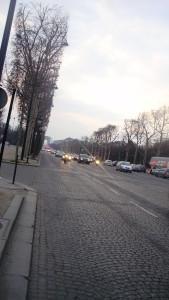 Елисейские поля - фешенебельный район Парижа