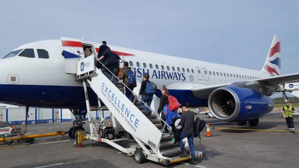 11 полезных лайфхаков при покупке авиабилетов и во время перелетов